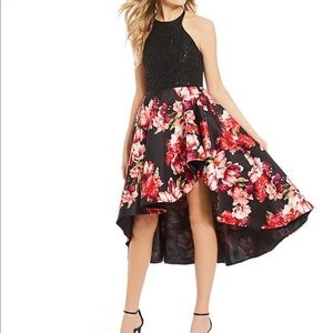 Dresses & Skirts - Gorgeous black/ floral high- low dress